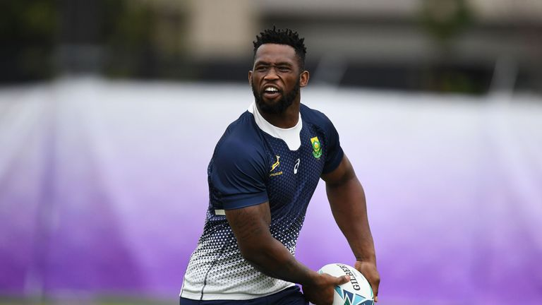 South Africa captain Siya Kolisi is the only change to the Springboks starting XV from their last meeting with the All Blacks