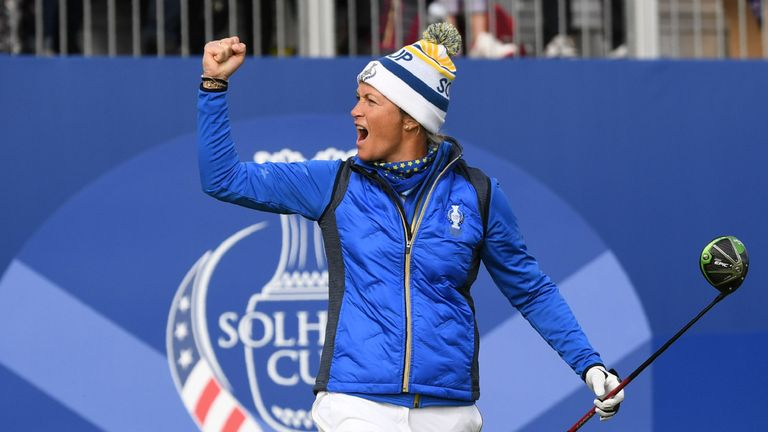 Europe's Suzann Pettersen reacts to the crowd on the 1st tee during the singles on the third day of The Solheim Cup golf tournament at Gleneagles in Scotland, on September 15, 2019. (Photo by ANDY BUCHANAN / AFP) / RESTRICTED TO EDITORIAL USE (Photo credit should read ANDY BUCHANAN/AFP/Getty Images)