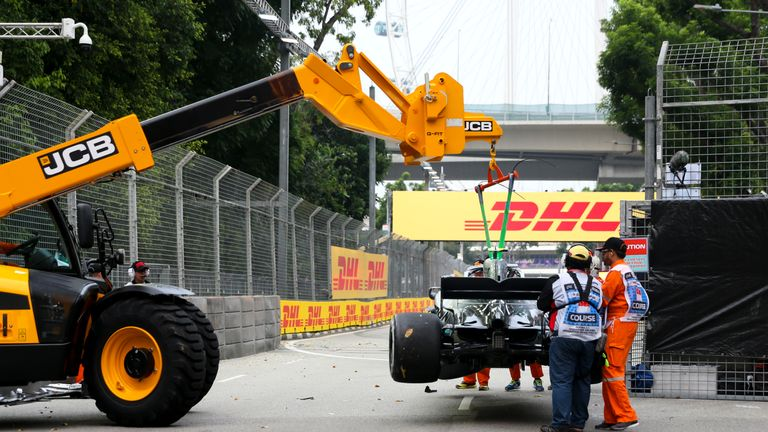 valtteri bottas crash singapore