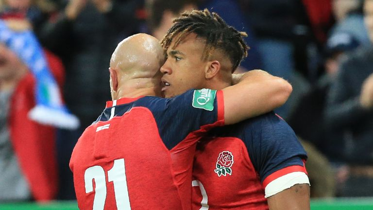 England romped home in their final World Cup warm-up beating Italy 37-0 at St James' Park.