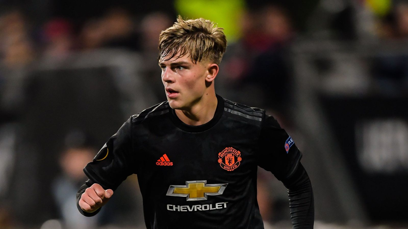 Brandon Williams signs Manchester United deal until 2022