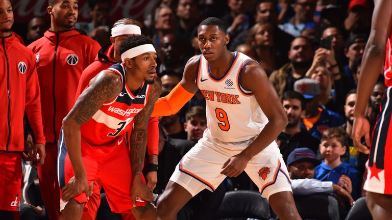 Bradley Beal is guarded by Knicks rookie RJ Barrett