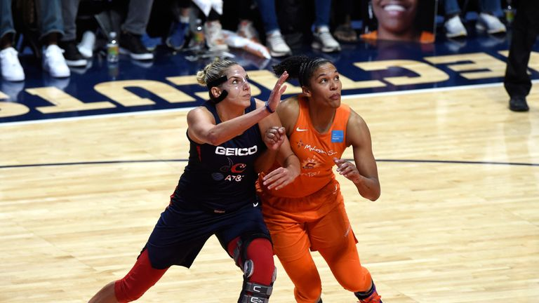 Elena Delle Donne and Alyssa Thomas compete for a rebound in Game 4