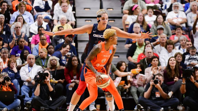 Elena Delle Donne guards Courtney Williams in Game 3 of the WNBA Finals