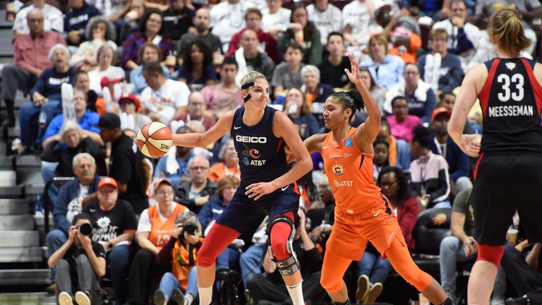 Elena Delle Donne posts up during Game 3 of the WNBA Finals