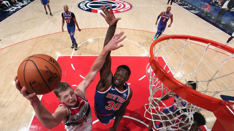 Mo Wagner attacks the rim against the New York Knicks