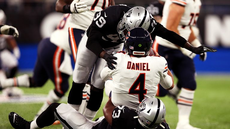 Chicago Bears 21-24 Oakland Raiders: Raiders hold on to beat Bears in London classic