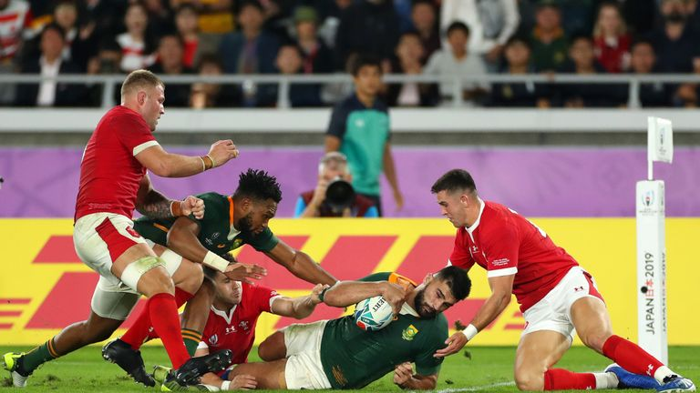 Damian de Allende broke the try scoring deadlock when he barrelled past three Wales jerseys