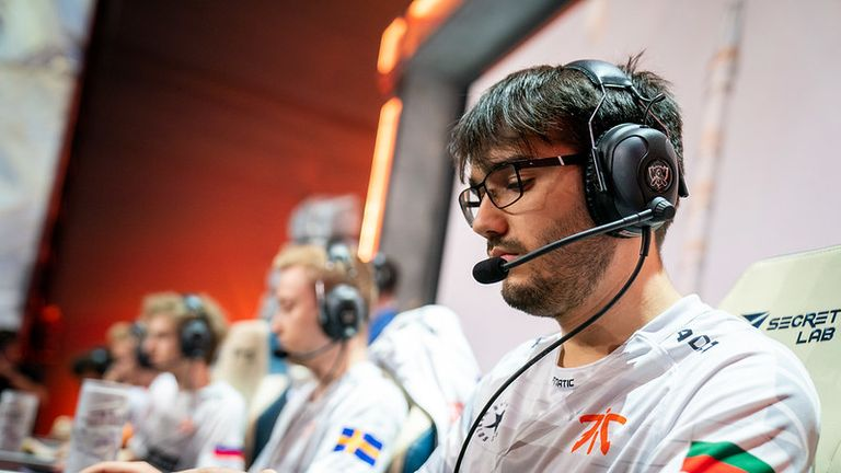 Hylissang believes Fnatic have time to iron out their mistakes after losing to SKT (Credit: Riot Games)