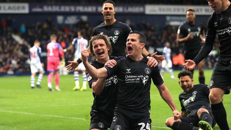 Charlton Athletic's Josh Cullen (centre) celebrates scoring his side's equaliser