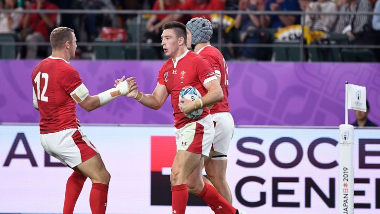 Lackluster Wales stumble to 35-13 win over Uruguay