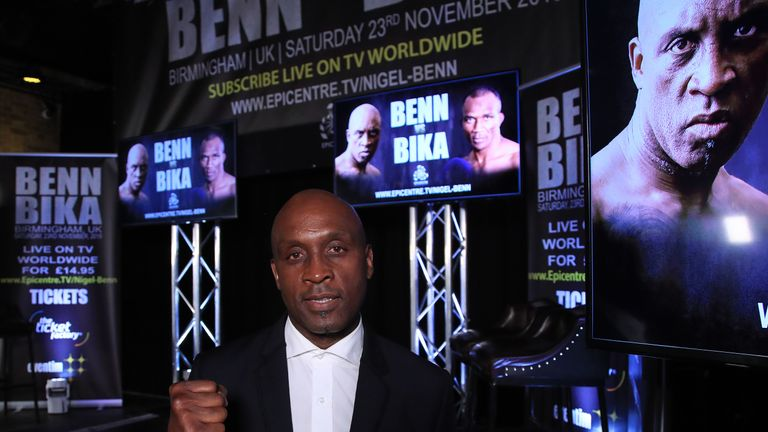 55-year-old Benn cancels fight after shoulder injury