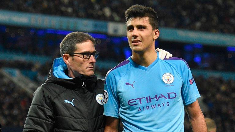 Oleksandr Zinchenko: Manchester City defender has knee surgery