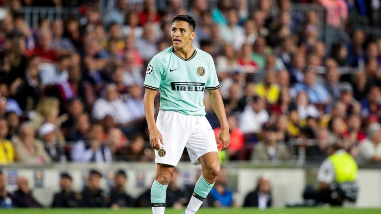BARCELONA, SPAIN - OCTOBER 2: Alexis Sanchez of Internazionale during the UEFA Champions League match between FC Barcelona v Internazionale at the Camp Nou on October 2, 2019 in Barcelona Spain (Photo by David S. Bustamante/Soccrates/Getty Images)