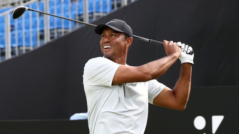 Woods widens lead at Zozo Championship