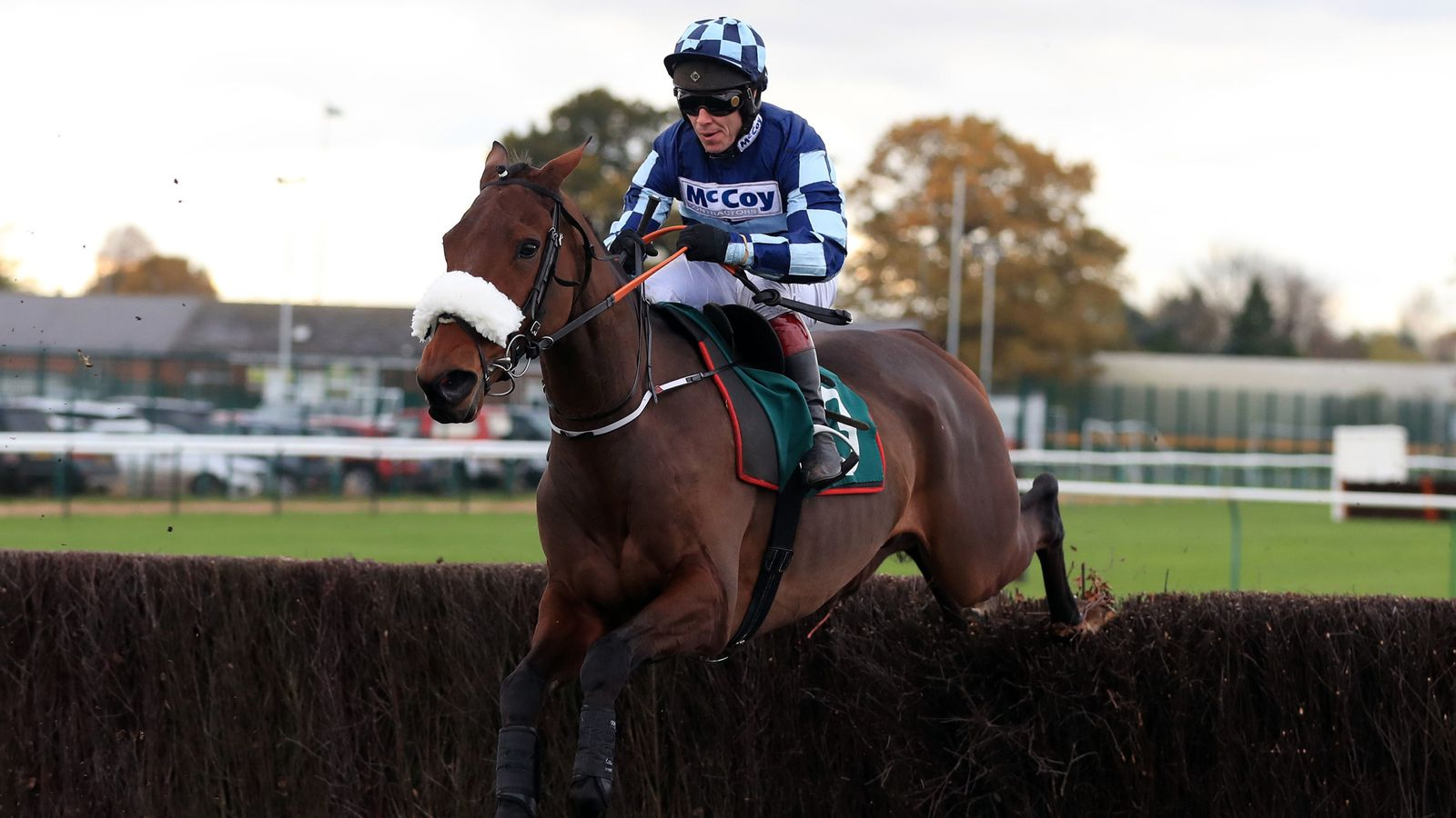 Thomas Darby gets in the Spirit at Fontwell