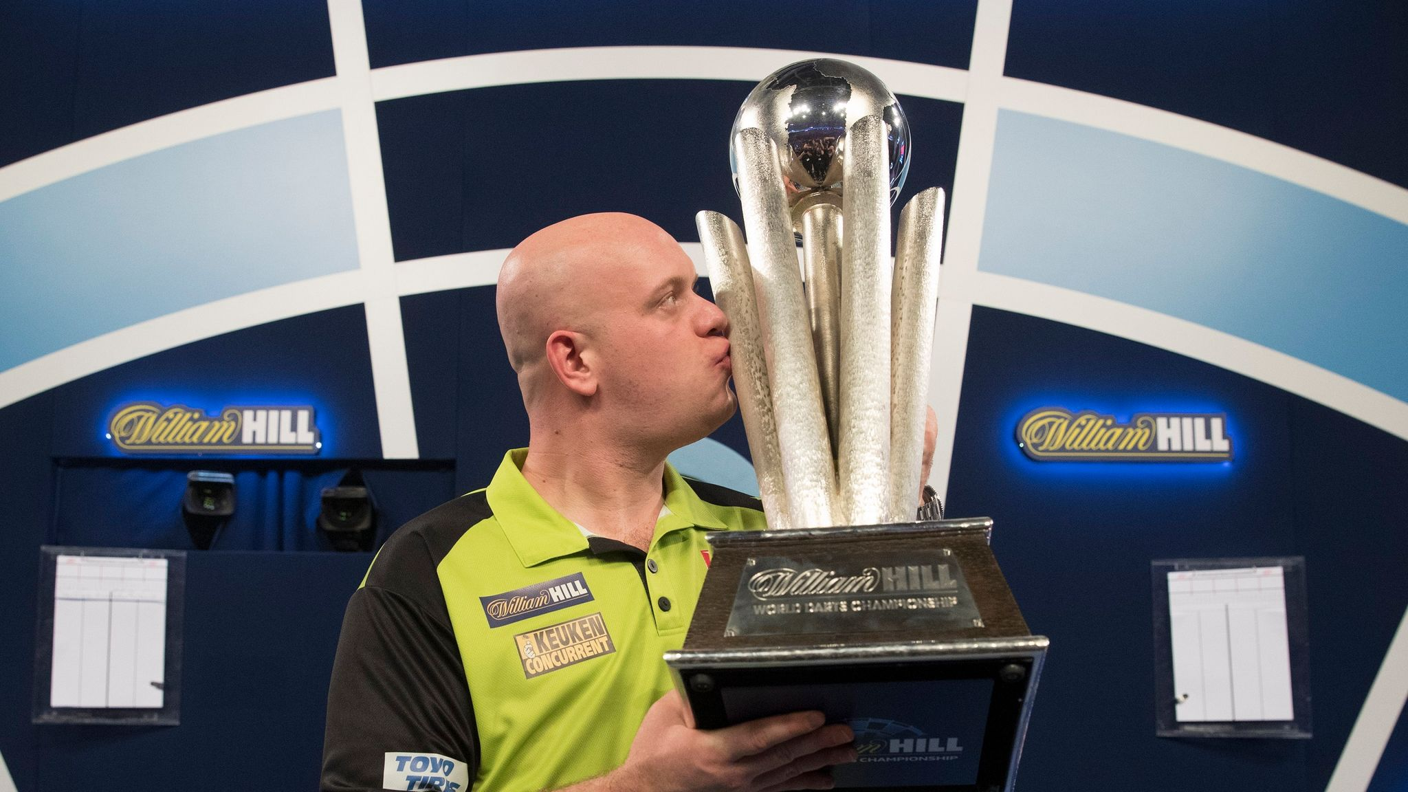 Michael van Gerwen defends World Championship crown as Raymond van Barneveld says goodbye