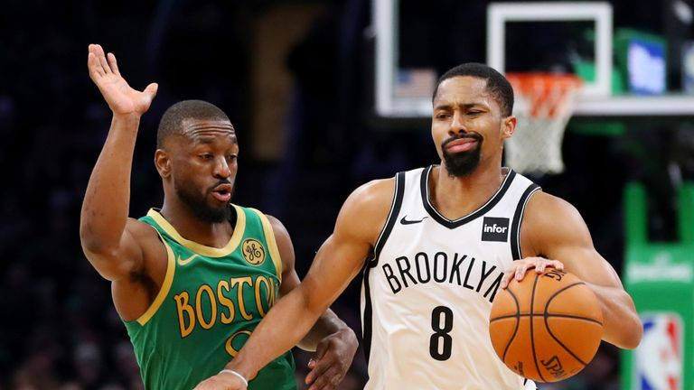 Spencer Dinwiddie evades the attentions of Kemba Walker