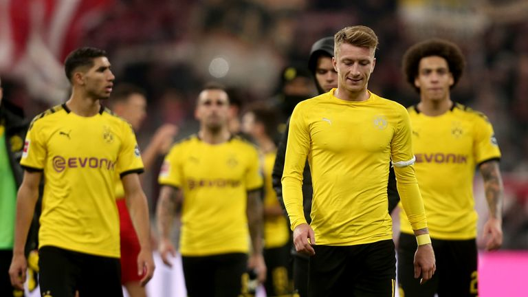 MUNICH, GERMANY - NOVEMBER 09: Marco Reus of Borussia Dortmund and Axel Witsel of Borussia Dortmund looks dejected during the Bundesliga match between FC Bayern Muenchen and Borussia Dortmund at Allianz Arena on November 9, 2019 in Munich, Germany. (Photo by TF-Images/Getty Images)