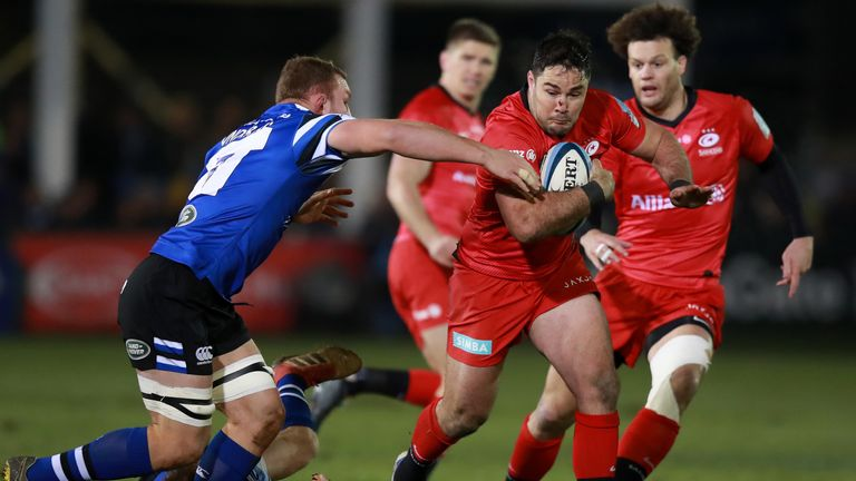 Brad Barritt attacks the Bath defence