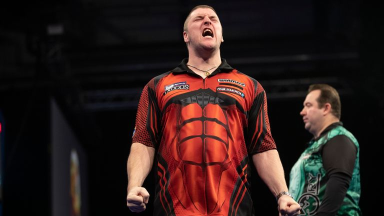 Daryl Gurney overcame his compatriot to set up a showdown with Michael Smith