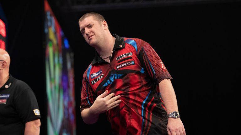 Daryl Gurney and Brendan Dolan will go head-to-head on Monday night for the right to join Clemens