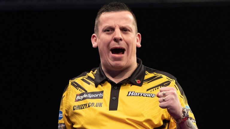 Dave Chisnall continued his recent impressive form with a dominant win