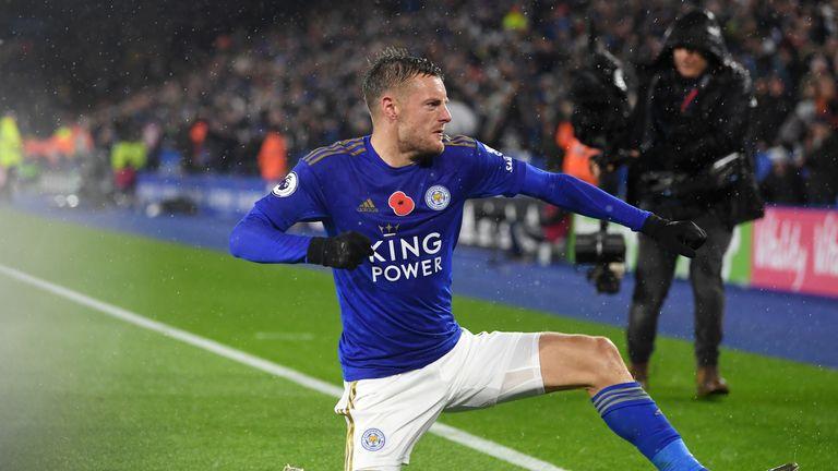 Leicester City's Jamie Vardy celebrates after scoring his team's first goal vs Arsenal at The King Power Stadium
