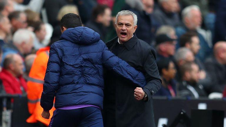 Mourinho celebrates as Tottenham win 3-2 at West Ham