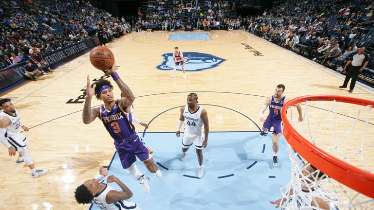 Kelly Oubre Jr. of the Phoenix Suns shoots the ball against the Memphis Grizzlies