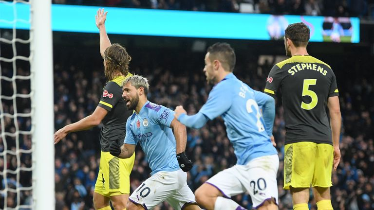 Sergio Aguero equalises for Manchester City