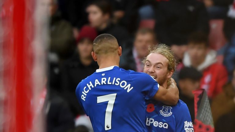 Tom Davies celebrates his goal after four minutes for Everton at St Mary's