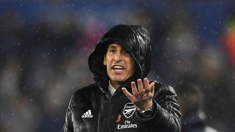 Unai Emery during Arsenal's 2-0 loss to Leicester City at the King Power Stadium