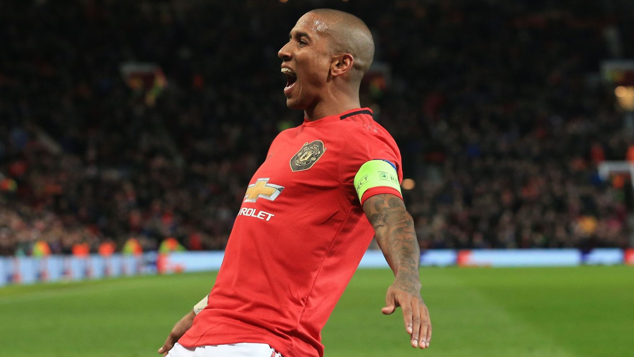 Ashley Young: Manchester United and Inter Milan agree deal for veteran