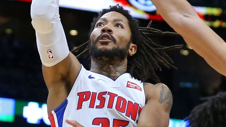 Derrick Rose lofts a floater during the Pistons' win over the Pelicans