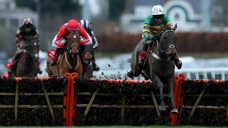 Epatante is clear over the last at Kempton