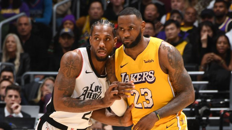 Kawhi Leonard guards LeBron James