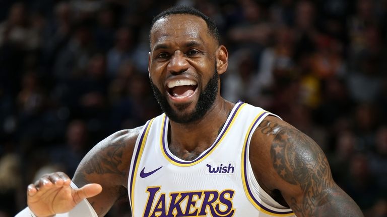 LeBron James celebrates a basket during the Lakers' victory in Utah