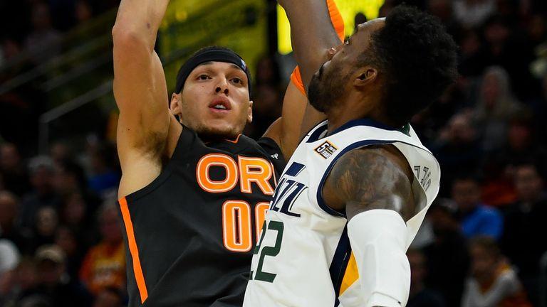 Aaron Gordon shoots a jumper over the Jazz defense