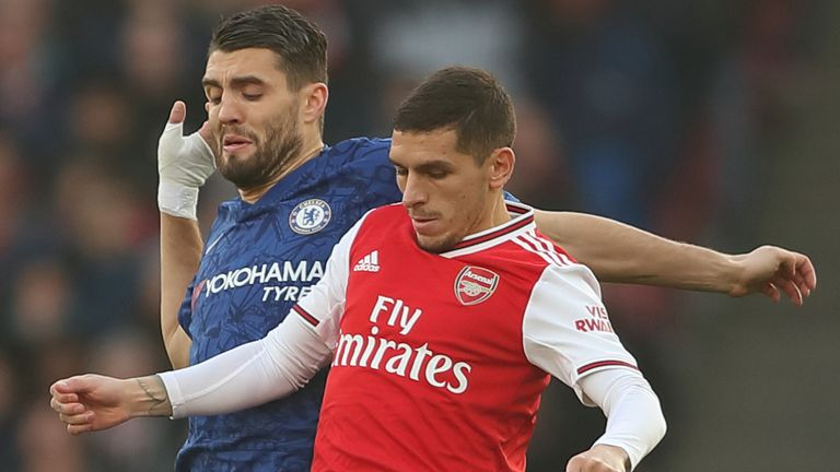 LONDON, ENGLAND - DECEMBER 29: Mateo Kovacic of Chelsea and Lucas Torreira of Arsenal during the Premier League match between Arsenal FC and Chelsea FC at Emirates Stadium on December 29, 2019 in London, United Kingdom. (Photo by James Williamson - AMA/Getty Images)