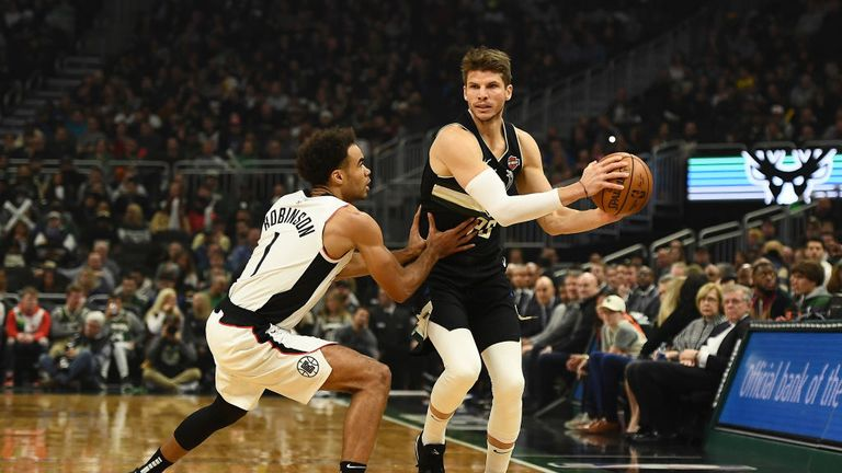 Milwaukee Bucks against LA Clippers in the NBA