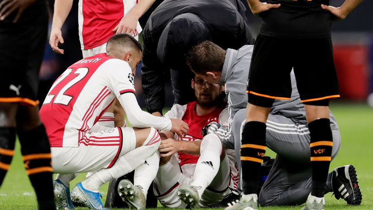 Daley Blind suffered from dizziness in his sides' 1-0 defeat to Valencia