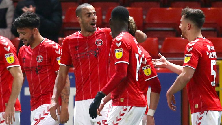 Charlton Athletic's Darren Pratley (centre) celebrates scoring his side's first goal of the game against Hull