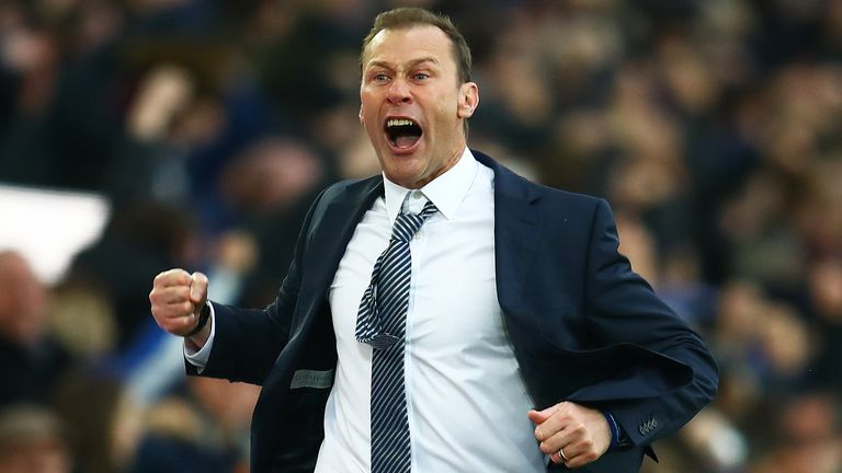 Duncan Ferguson celebrates Everton's third goal against Chelsea