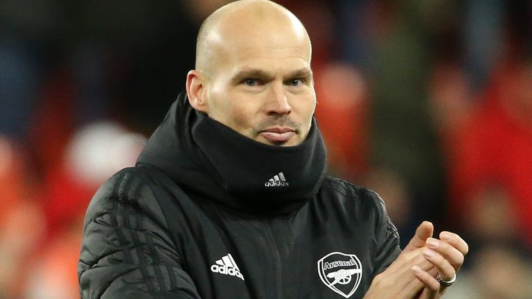 Freddie Ljungberg reacts after Arsenal's 2-2 Europa League draw against Standard Liege