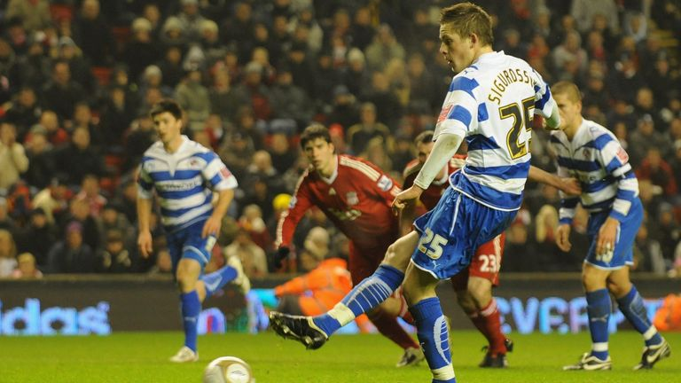 Sigurdsson scores for Reading against Liverpool earlier in his playing career