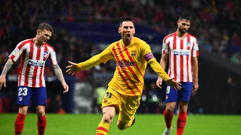 Lionel Messi celebrates his late winner against Atletico Madrid