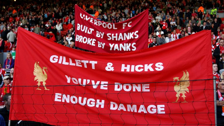 Protest against Tom Hicks and George Gillett at Anfield