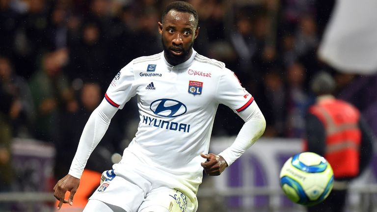 Moussa Dembele in Ligue 1 action against Toulouse on November 2, 2019