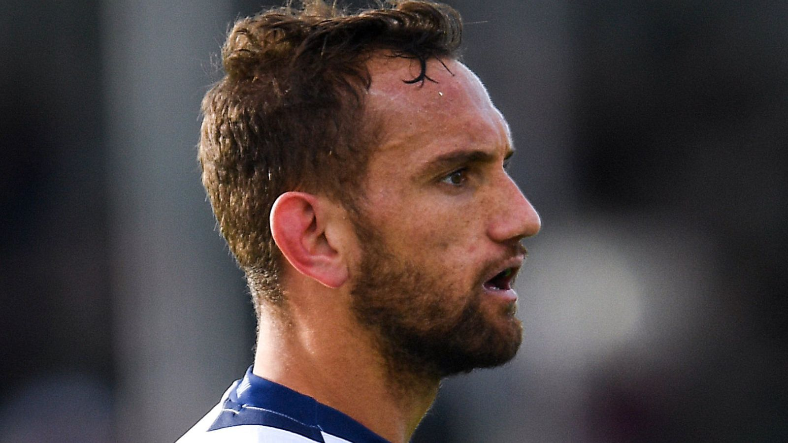 Aaron Cruden parks thoughts of All Blacks recall after rejoining Chiefs